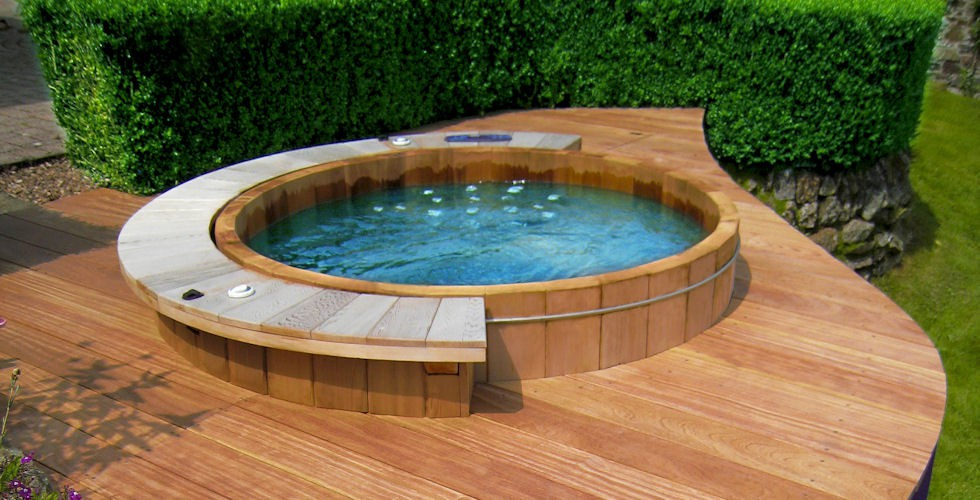 Ideal Hot Tub Temperature ~ Best Hot Tubs, Spas & Whirlpool Baths ...