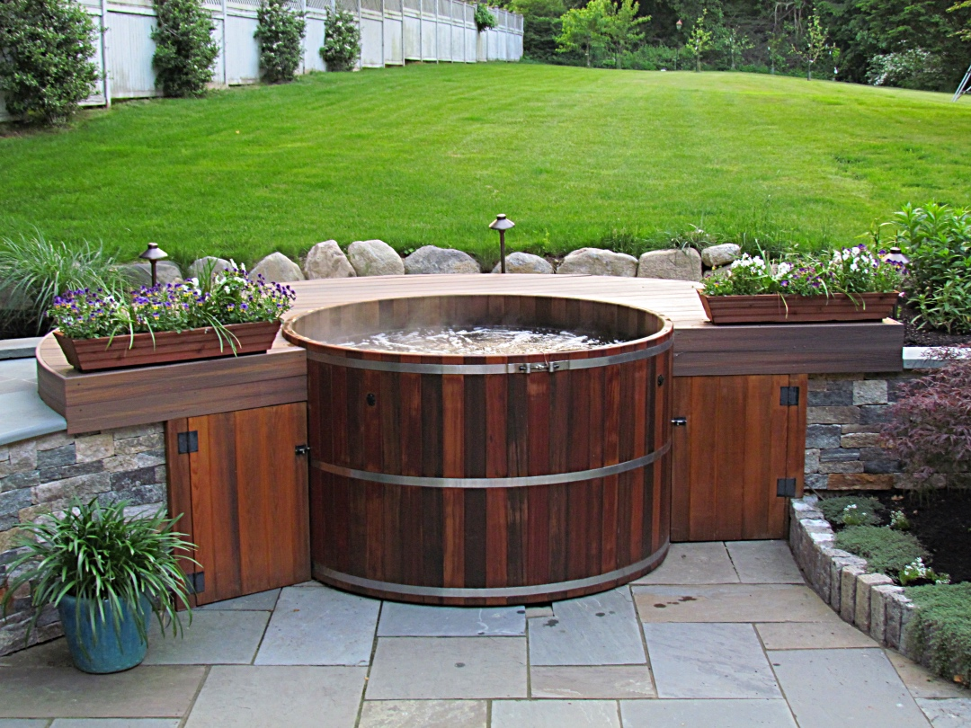 Small Hot Tubs: Pros and Cons ~ Best Hot Tubs, Spas & Whirlpool ...