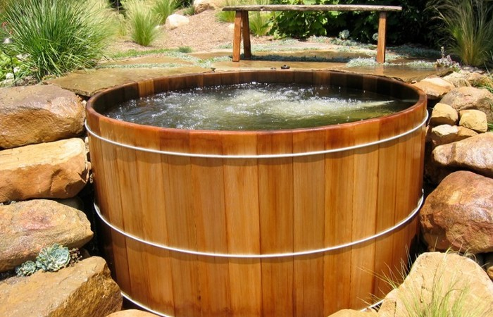 wooden-spas-hot-tubs-jacuzzis