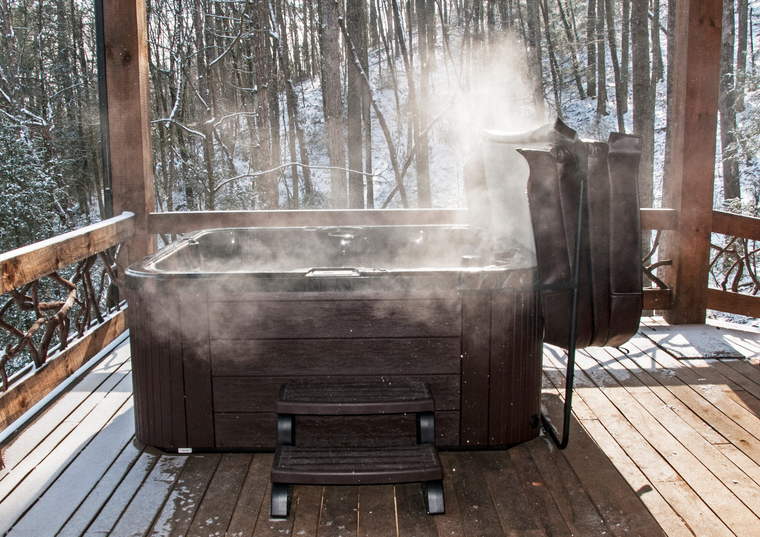 Are hot tubs expensive to run