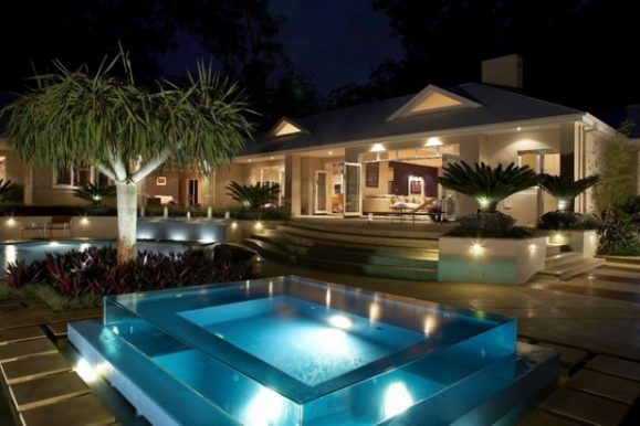 Outdoor Hot Tub and Spas