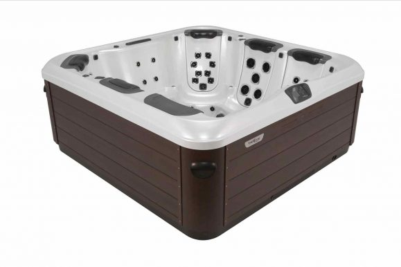 What are Refurbished Hot Tubs and How to Find Them?